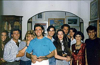 Diciannove anni... Alla mia sinistra il mitico Franco Vincenti. L'uiltimo a destra è Roger Mantovani. Erano gli anni della mia prima esperienza come giornalista a Telenova