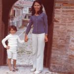 Con mamma Carla nel 1972